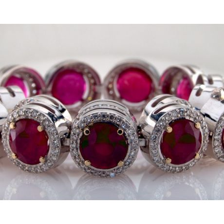 33.40 carat, Bracelent with Natural Ruby and Diamonds, 39.10gr. 18K Gold